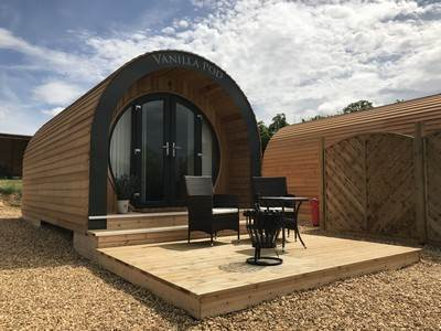 Glamping Pods at New Lodge Farm