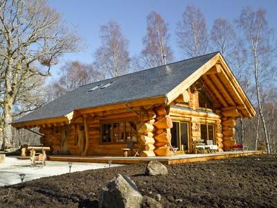 Caledonian Cabin with Hot Tub