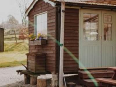 Rustic Glamping Shepherds Hut