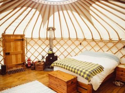Hazelnut Yurt - Round the Woods