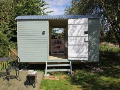 Oh Deer Shepherd's Hut