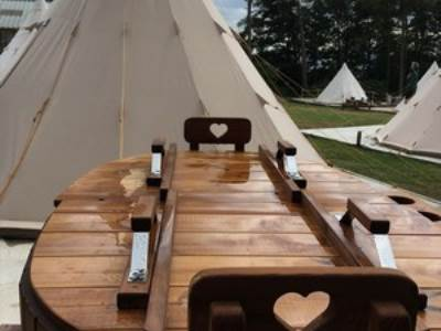 Canvas Tipi with Hot Tub at Pinewood Park