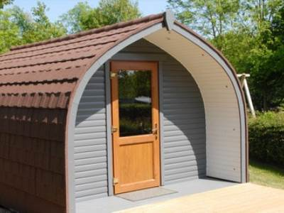 Skylark Super Glamping Pod at Cotswold View