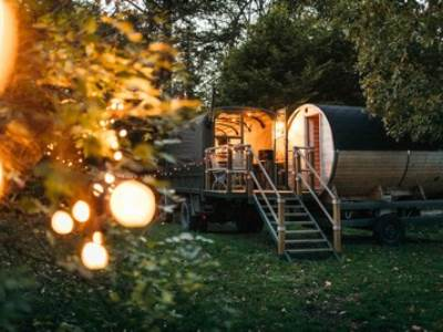 'Myrtle' the Glamping Truck & Sauna